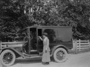 Bookmobiles over the years, Washington County Free Library