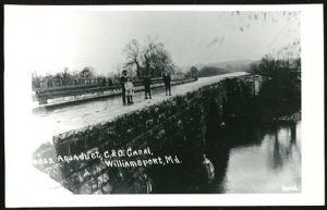 Aqueduct wall